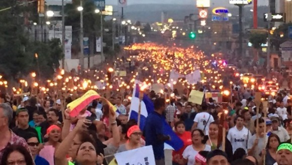 marcha_antorchas.jpg_1